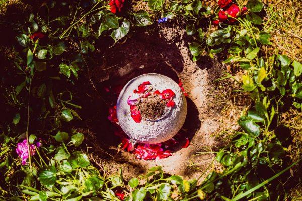 V prírodnom cintroríne povoľujú len ekologické urny. FOTO - Archív Les vzpomínek