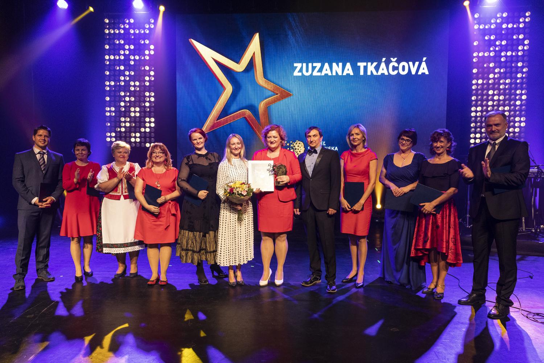 Držiteľka ocenenia Učiteľ Slovenska: Deti učíme jazdiť v tuneli informatika a v tuneli fyzika. Musíme ich začať prepájať