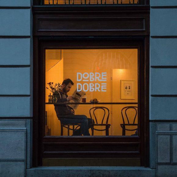 V kaviarni Dobre&Dobré vás obslúžia aj ľudia bez domova. FOTO - Facebook Dobre&Dobré