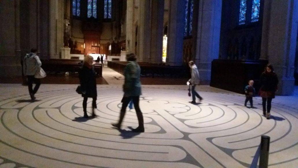 Labyrint v katedrále Grace. FOTO - Viktória Hipšová