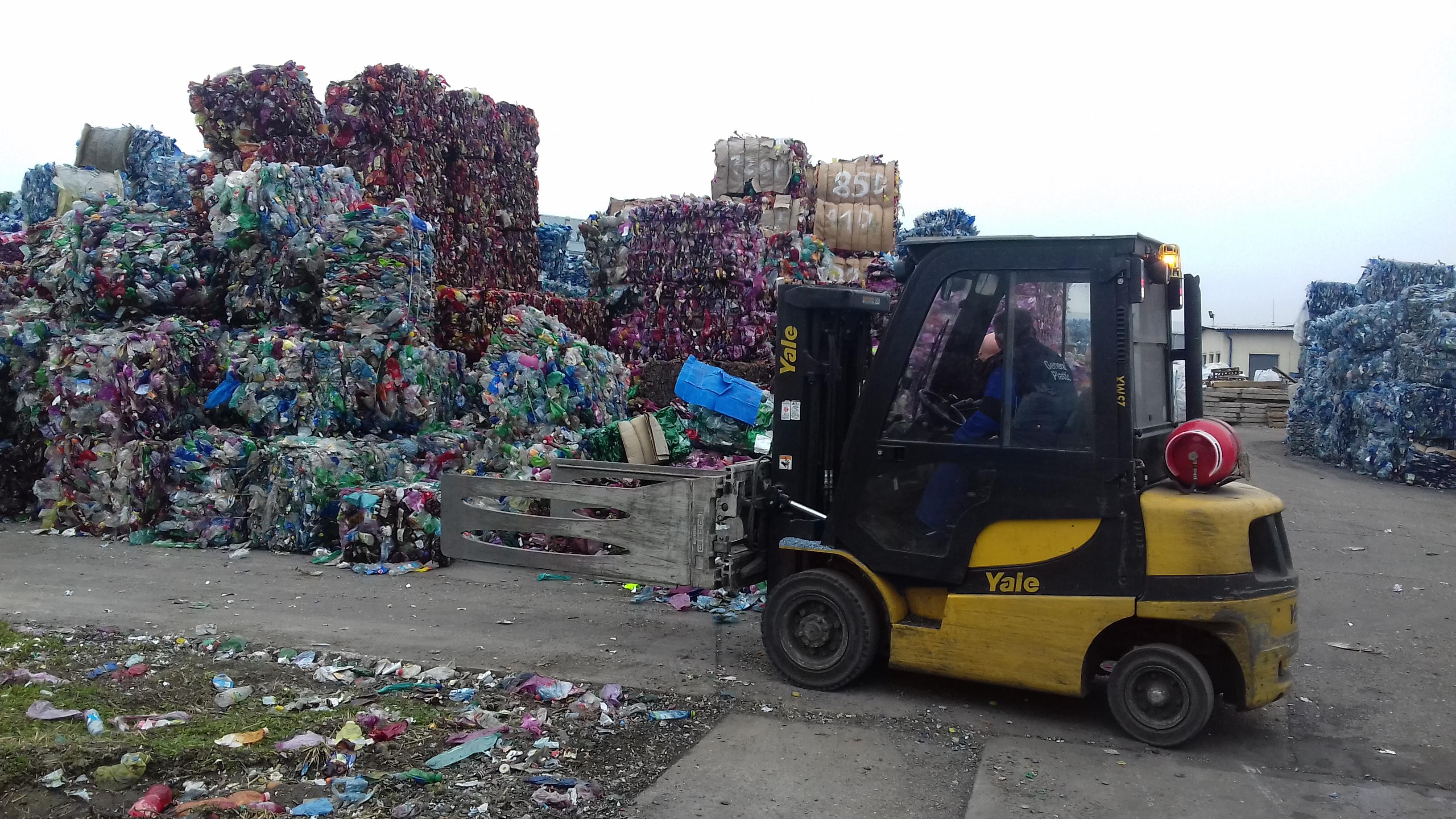 plastove-flase-recyklacia