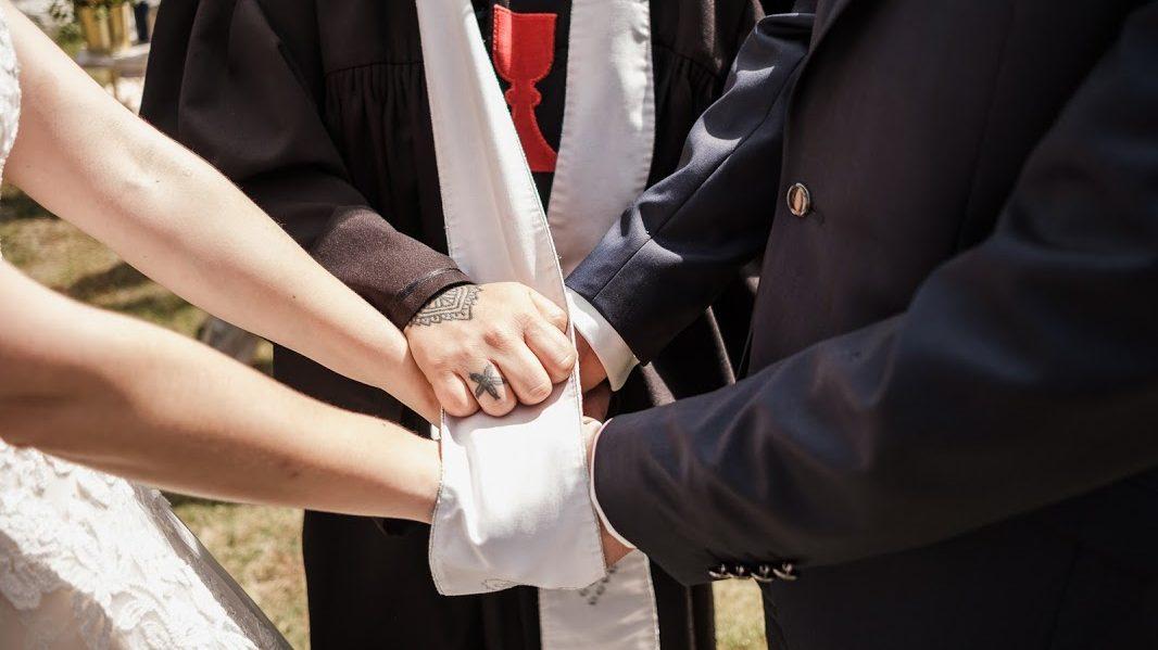 Husitská farárka: Nie je vporiadku, ak zodpovednosť za svoje šťastie preklápame na partnera