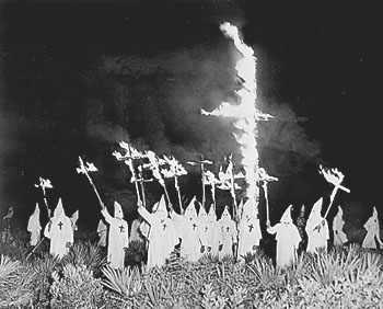 Ku Klux Klan. FOTO - http://www.displaysforschools.com/history.html
