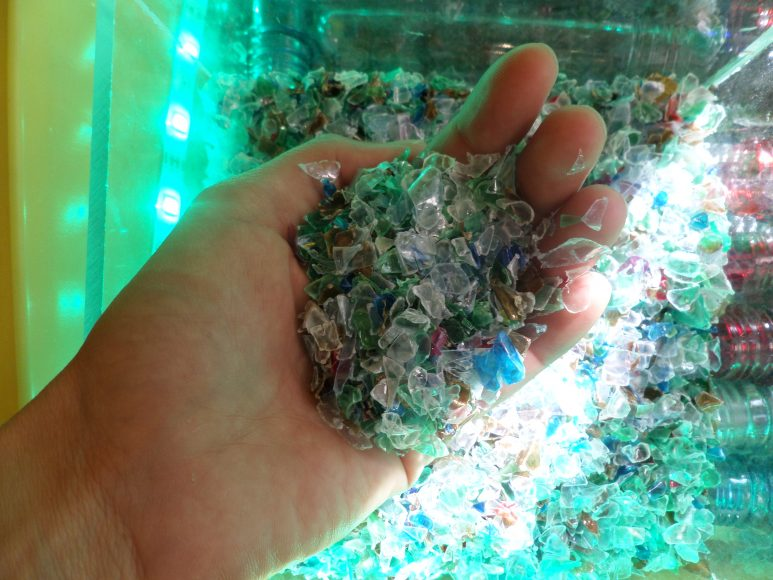 triedenie-odpadu-plast