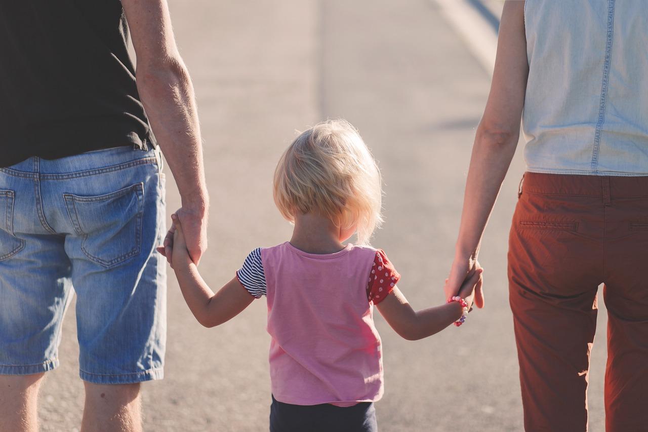 Adoptívni rodičia: Prijatie dieťaťa nemôže prekrývať nejaký vlastný problém. Nedá sa očakávať, že všetko bude ružové