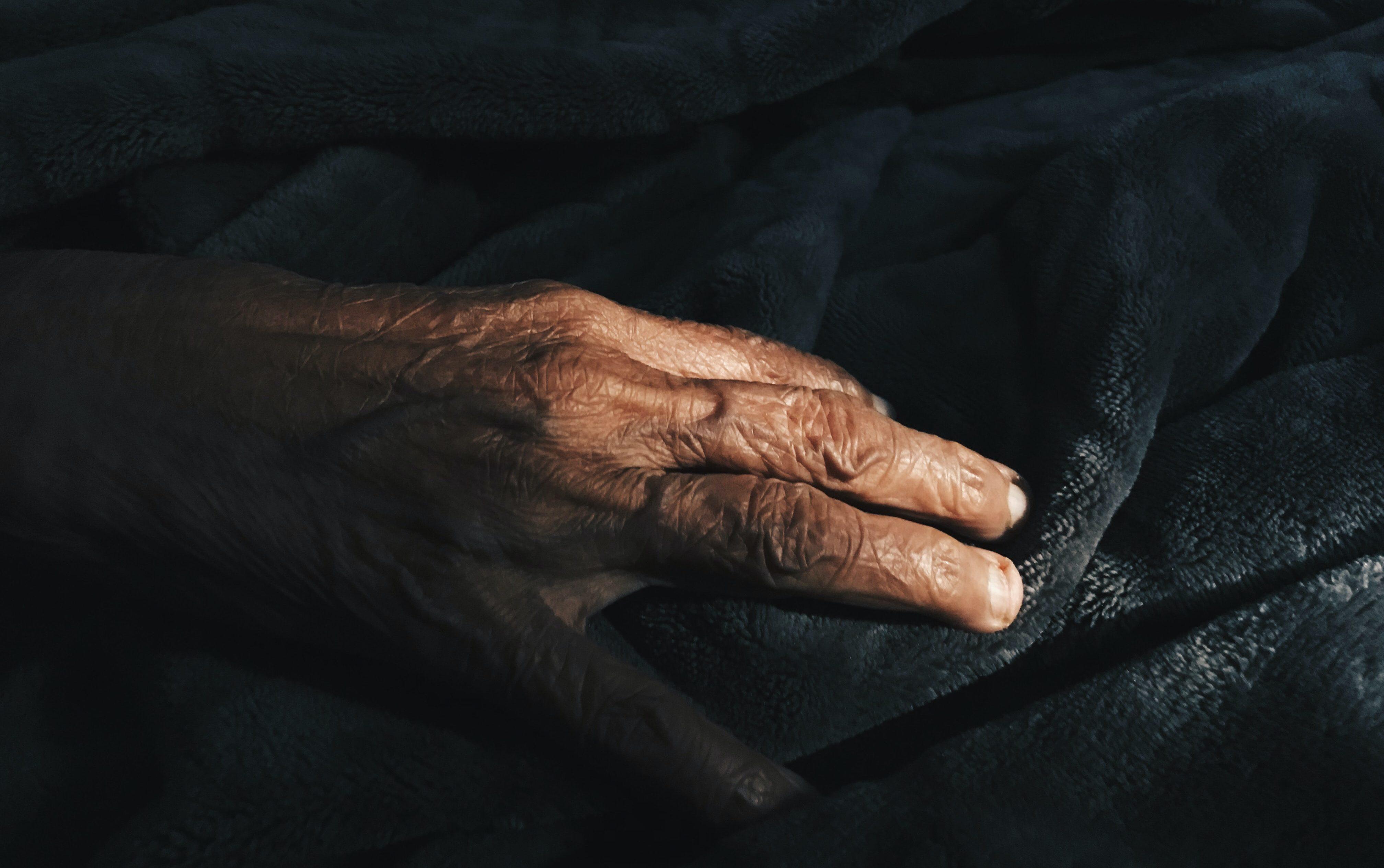Sprievodkyňa umierajúcich: Umieranie osamote v nás vzbudzuje najväčší strach