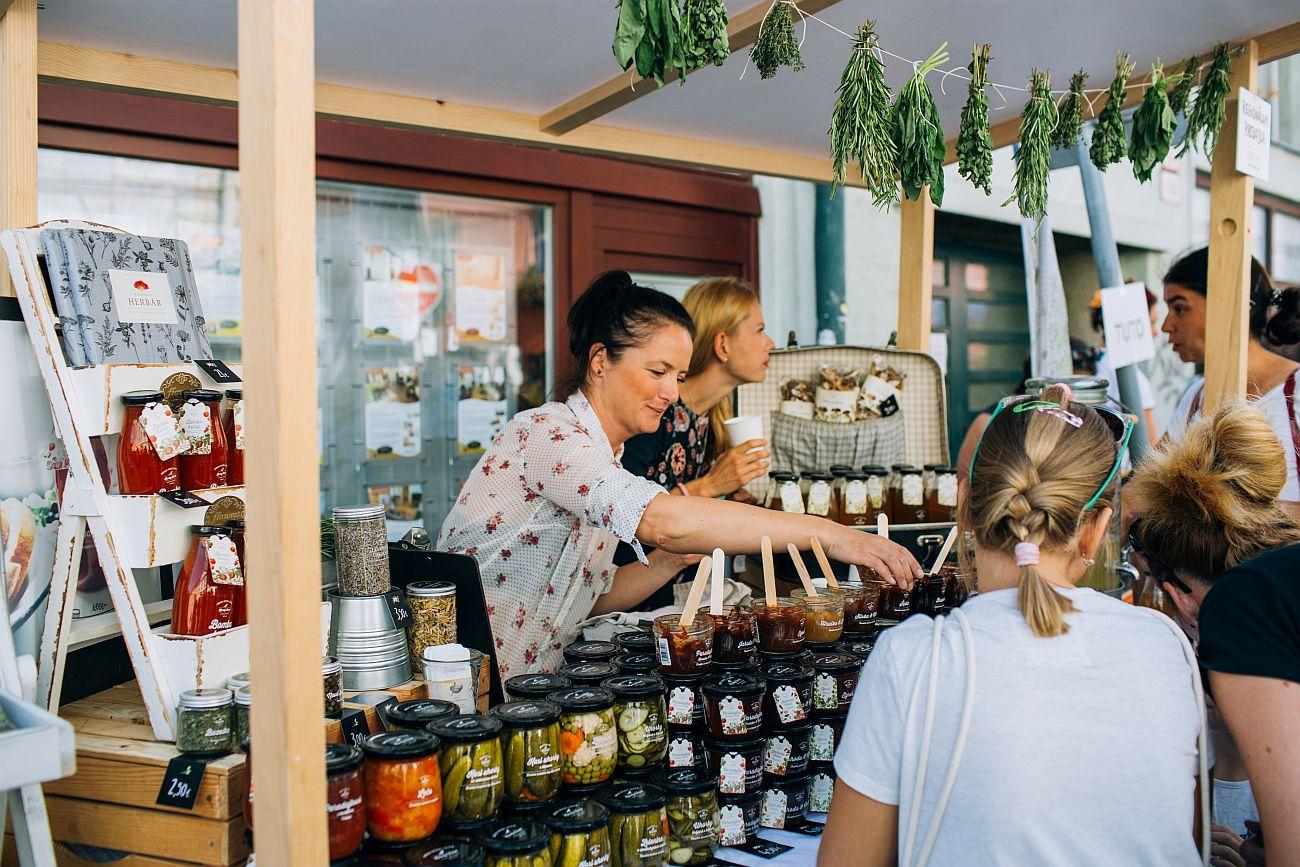 Lokálni predajcovia sú kľúčom k trvalej udržateľnosti, koronakríza mnohých takmer položila