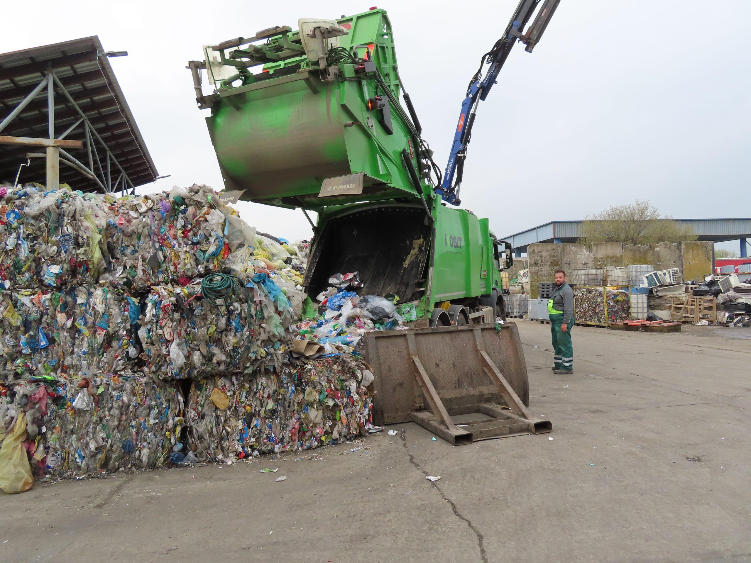 Nie je plast ako plast. Ako sa dotrieďuje odpad pred recykláciou?