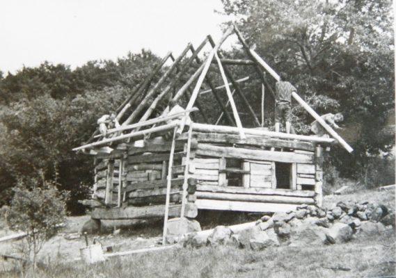 Opravou drevenice - Pastierne, vyvrcholilo koncom 90-ich rokov v Zaježovej obdobie, zamerané na tradičnú architektúru.