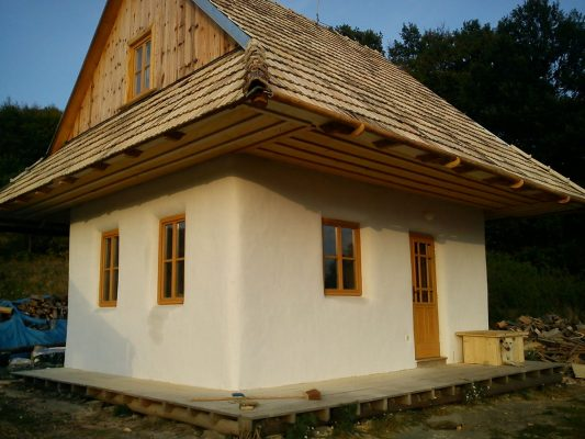 Samonosný domček na Sekieri. FOTO - Archív autora