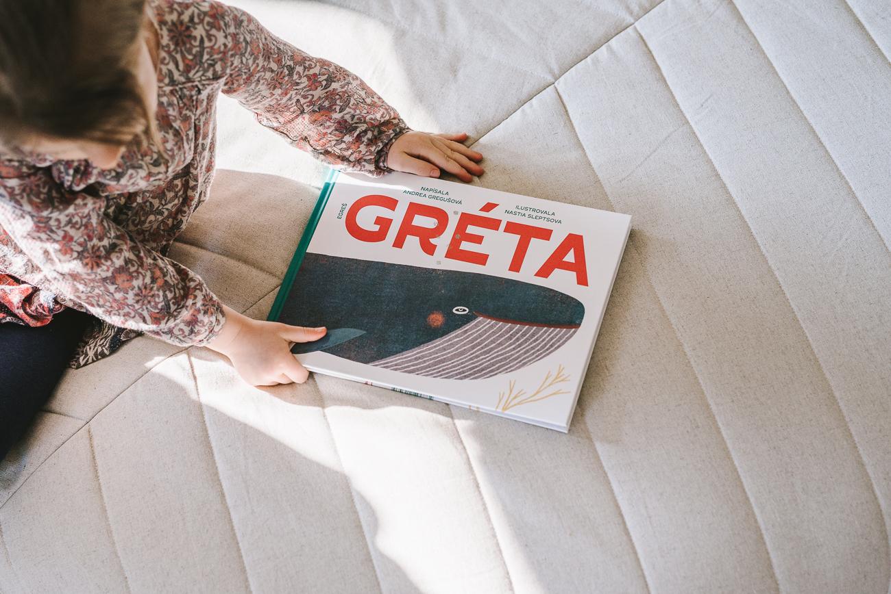 Zmenšovať množstvo plastového odpadu vmoriach bude deti učiť knižka oveľrybe Gréte