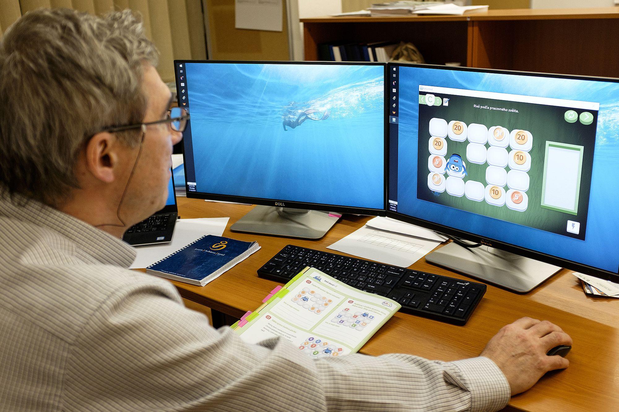 Informatika má deti učiť skúmať, nielen ovládať počítač, hovorí profesor Kalaš