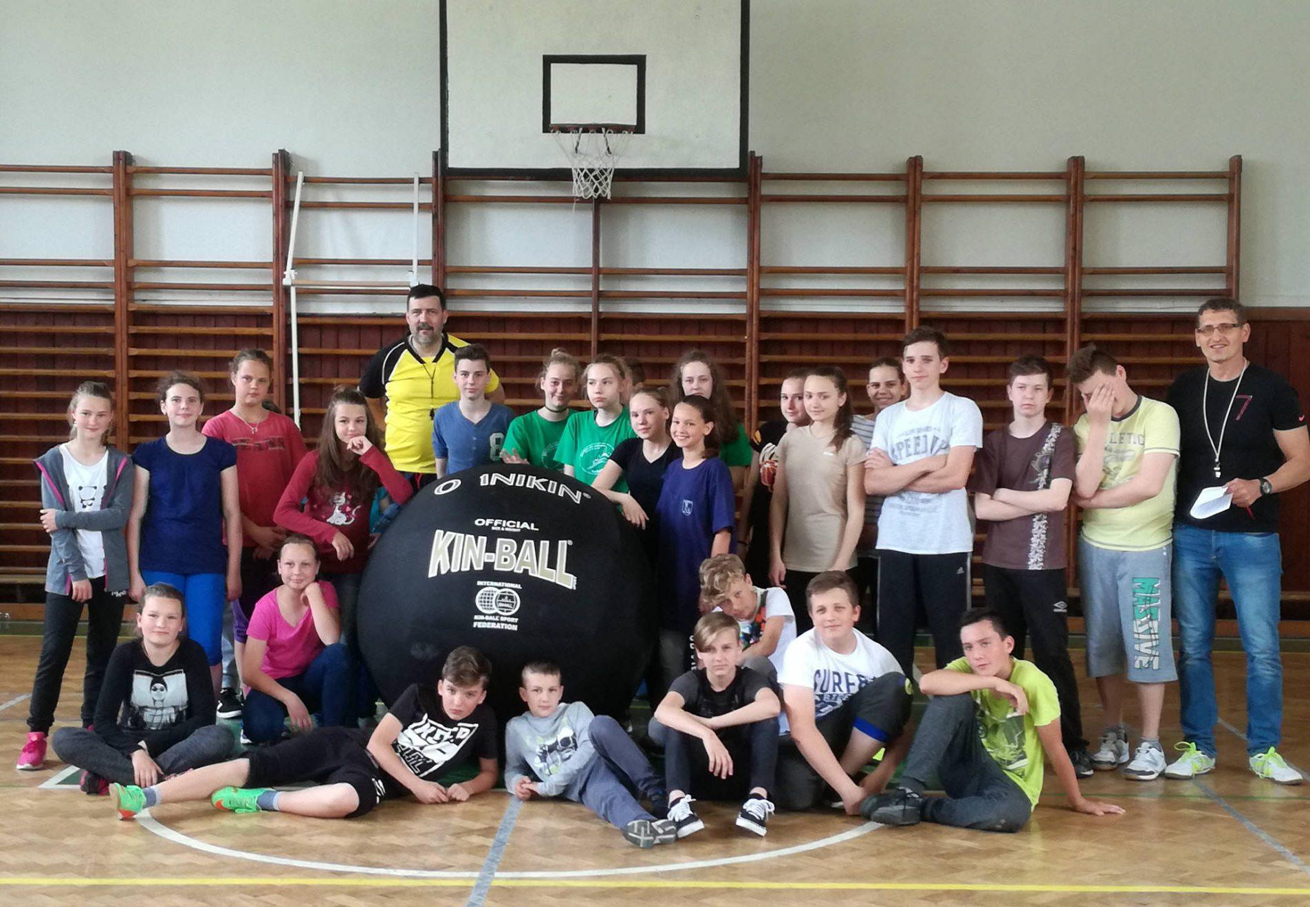 Telesná výchova môže byť zábavná a nestresujúca naozaj pre všetkých, ukazuje učiteľ Miroslav Kseňák