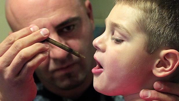 Presadzuje liečbu marihuanou: Je často rovnako účinná ako samostatný liek