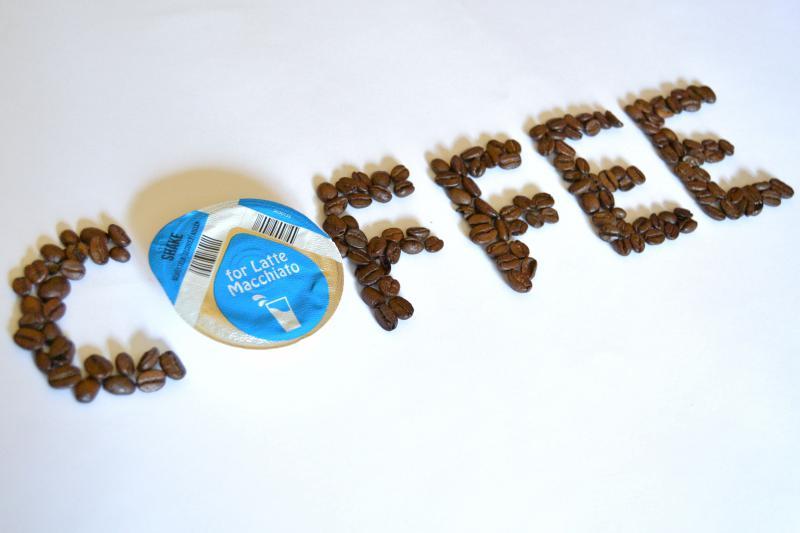 Kávové kapsule – moderný trend, či environmentálne riziko?