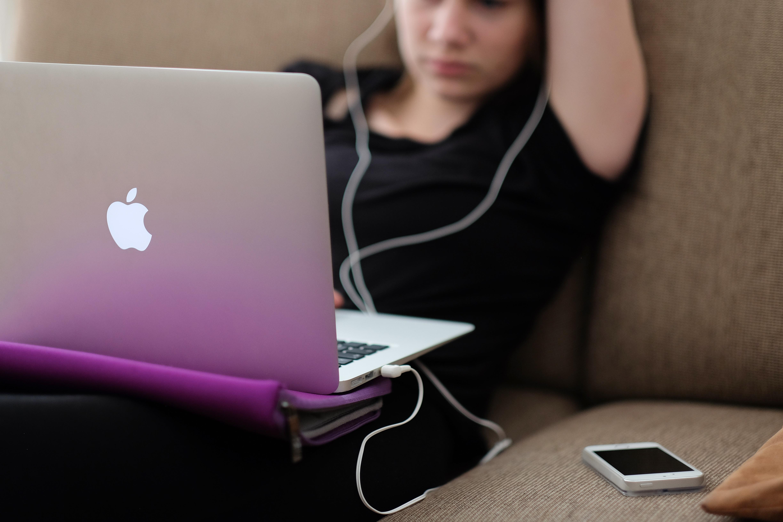 teenager-smartfon
